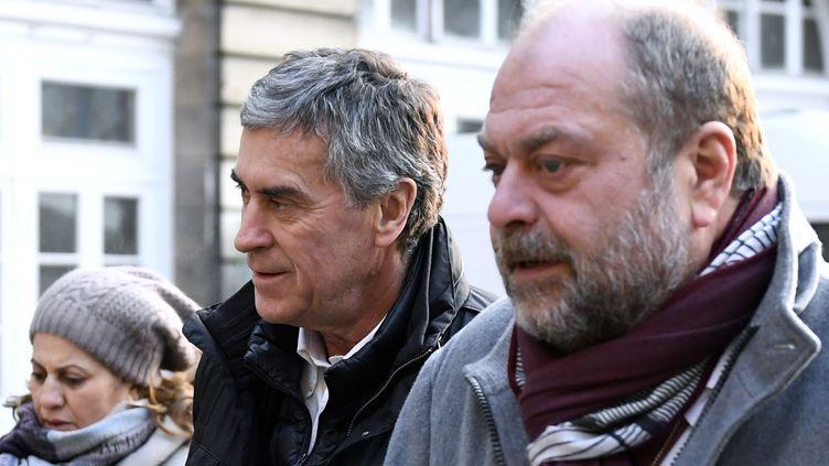 L'ancien ministre du Budget Jérôme Cahuzac et l'un de ses avocats, Eric Dupond-Moretti, lors de leur arrivée au tribunal, le 21 février 2018. (ERIC FEFERBERG / AFP)