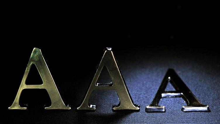 L'agence de notation Standard & Poor's a dégradé la note de la France le 13 janvier 2012. (PHILIPPE HUGUEN / AFP)
