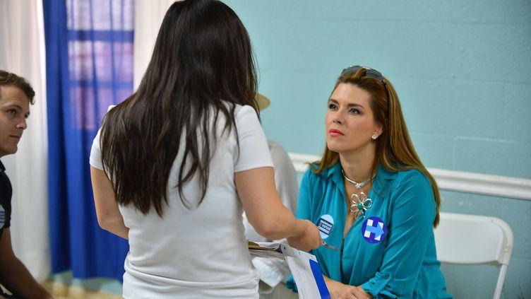 L'ancienne Miss Univers, Alicia Machado, fait campagne pour Hillary Clinton, le 20 août 2016 à Miami (Etats-Unis). (SIPANY / SIPA)