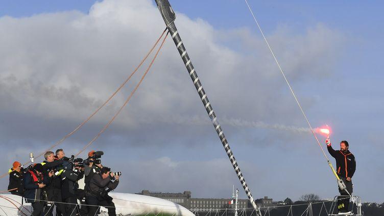 Le navigateur Thomas Coville lors de son arrivée à Brest (Finistère), le 26 décembre 2016. (DAMIEN MEYER / AFP)