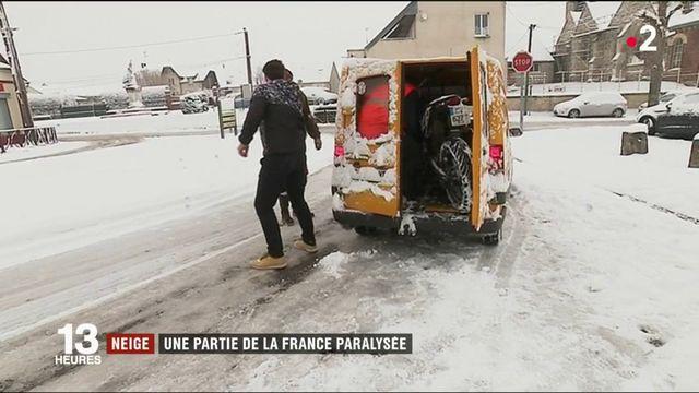 Neige : une partie de la France paralysée
