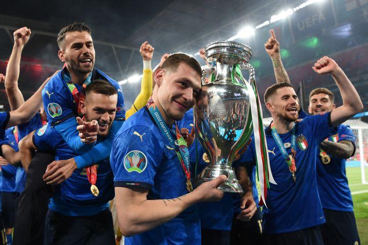 Les joueurs de la Squadra Azzurra après la victoire en finale de l'Euro face à l'Angleterre, le 11 juillet (ANDY RAIN / AFP)