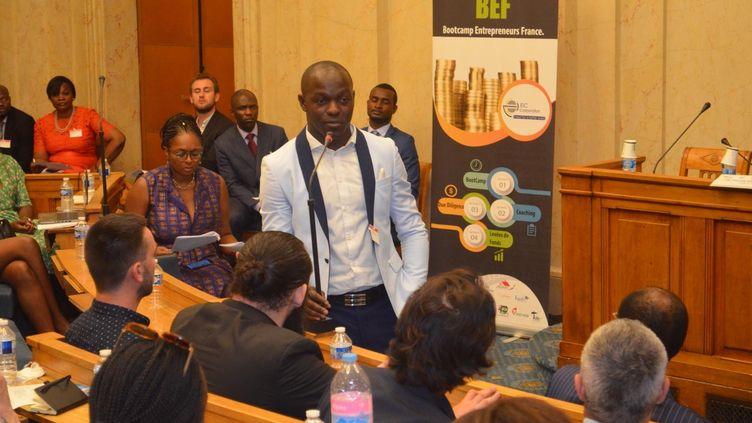 Le jeune entrepreneur franco-ivoirien Achille Aigbe, le 28 juin 2019 à l'Assemblée nationale, dans le cadre de la rencontreDiaspora Business meeting. (Jean-Marie Luviluka Diazabakana/EIC Corporation)