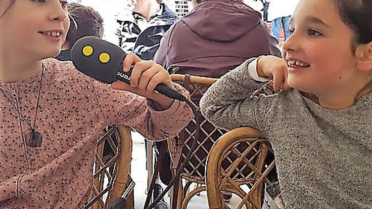 Emma et Clémence, deux jeunes Mômes trotteuses Bayonnaises. (INGRID POHU / RADIO FRANCE)