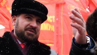 Maxim Souraïkine, candidat du parti Communistes de Russie à l'élection présidentielle, assiste à une cérémonie à Moscou, le 5 mars 2018. (KIRILL KUDRYAVTSEV / AFP)
