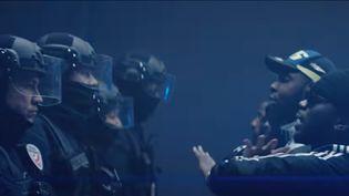 """Capture d'écran du clip """"Fuck le 17"""" du groupe de rap 13 Block, originaire de Sevran (Seine-Saint-Denis), qui a été publié sur Facebook le 1er novembre 2019. (13 BLACK / YOUTUBE)"""