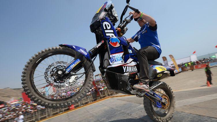 David Casteu le 4 janvier 2013 sur le podium du Dakar, à Lima (Pérou). (FRANCK FIFE / AFP)