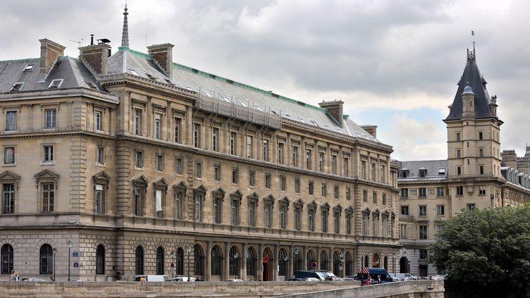Le viol aurait eu lieu dans la nuit du mardi 22 avril au mercredi 23 avril 2014, selon une source proche du dossier, au 36 quai des Orfèvres, à Paris. (THOMAS SAMSON / AFP)