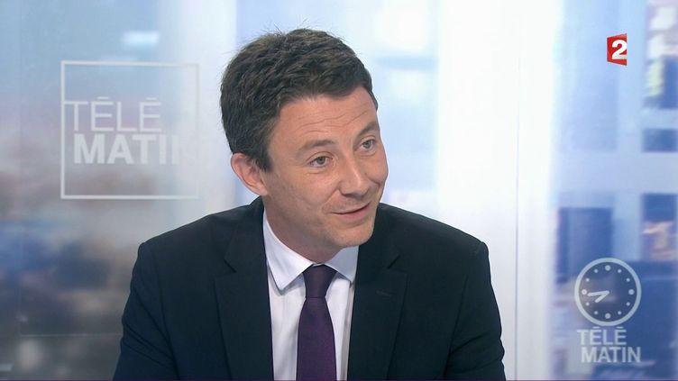 """Benjamin Griveaux, porte-parole de La République en marche, invité des """"4 Vérités"""", sur France 2, le 29 mai 2017. (FRANCE 2)"""
