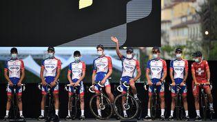 Les coureurs de la Groupama-FDJ, le 27 août 2020 à Nice. (ANNE-CHRISTINE POUJOULAT / AFP)