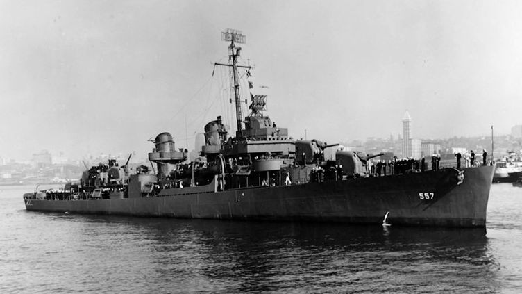 Une équipe d'explorateurs a pu filmer l'épave d'un destroyer américain détruit en 1944 au large des Philippines. Ce type de découverte sous-marine fait ressurgir l'histoire et la mémoire. (France 2)