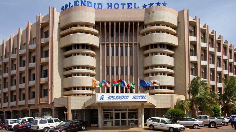 (Le Splendid Hotel, au centre de Ouagadougou (site de l'hôtel).)
