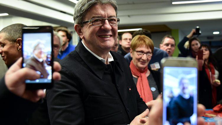 Le candidat à la présidentielle Jean-Luc Mélenchon après un meeting au Mans (Sarthe), le 11 janvier 2017. (JEAN-FRANCOIS MONIER / AFP)
