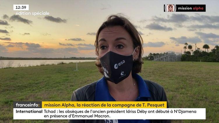 La compagne de Thomas Pesquet, Anne Mottet, s'exprime après le décollage du Crew Dragon de SpaceX, le 23 avril 2021 à Cap Kennedy (Floride). (FRANCEINFO)