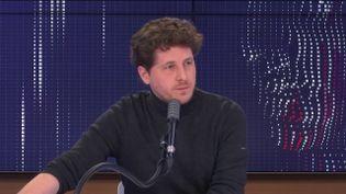 Julien Bayou, secrétaire national d'Europe Écologie-les Verts, était l'invité de franceinfo mardi 15 décembre 2020. (FRANCEINFO / RADIO FRANCE)