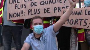 Avant le Ségur de la Santé du lundi25 mai, les personnels soignants comptent bien être entendus. Déjà à cran avant la crise du coronavirus, l'ensemble des personnels soignants ont manifesté dans plusieurs villes. (France 3)