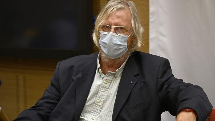 Le professeur Didier Raoult lors de son audition devant la commission du Sénat sur la gestion de la pandémie de Covid-19, le 15 septembre 2020 à Paris. (Daniel Pier / NurPhoto / NurPhoto via AFP)