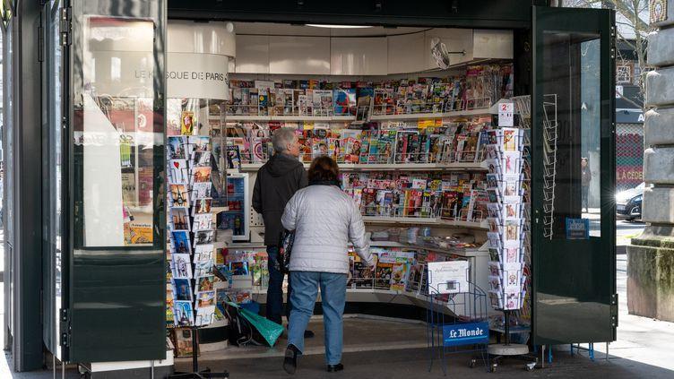 Kiosque à journaux, Paris, 18 février 2020 (RICCARDO MILANI / HANS LUCAS)