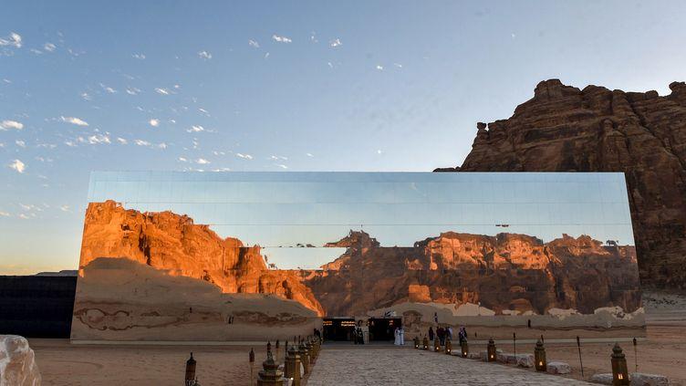 """Un palais de verre au milieu du désert : le Festival """"Winter at Tantora"""", gouvernorat d'Al-Ula, Arabie Saoudite.  (FAYEZ NURELDINE / AFP)"""