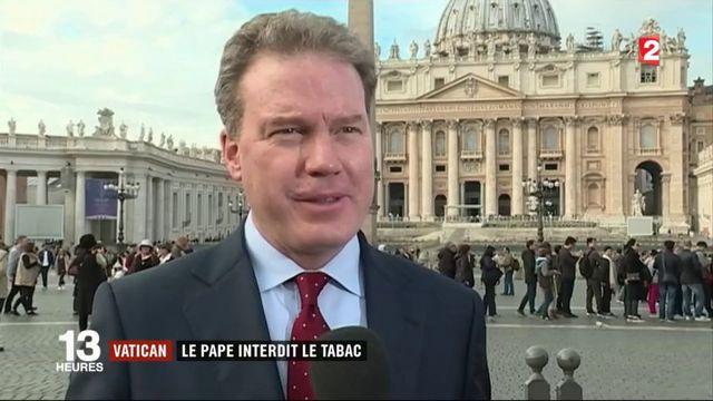 Vatican : le pape interdit le tabac