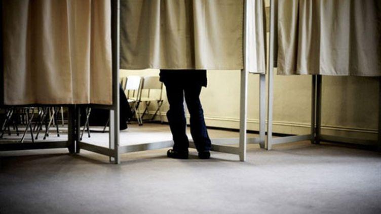 Un bureau de vote à Dijon (archives, 2008) (AFP / Jeff Pachoud)