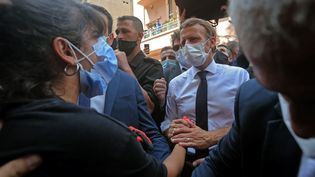 La venue d'Emmanuel Macron auLiban, jeudi 6 août 2020, est jugée par certains comme une attitude néo-colonialiste. (AFP)