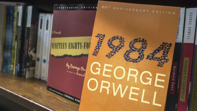"Une édition américaine de ""1984"" de George Orwell, à New York (20 juin 2013)  (Richard B. Levine / Newscom / Sipa)"