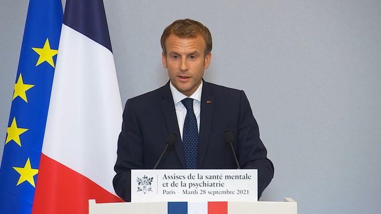 Emmanuel Macron lors de son discours de clôture des Assises de la santé mentale et de la psychiatrie, mardi 28 septembre 2021 au ministère de la Santé. (FRANCEINFO)