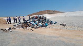 Mis en serviceen juillet 2019, lecentre de Foukhari, financé à moitié par l'Agence française de développement, devait faire passer la moitié de la bande de Gaza aux normes internationales en matière de traitement des déchets. (ETIENNE MONIN / FRANCE-INFO)