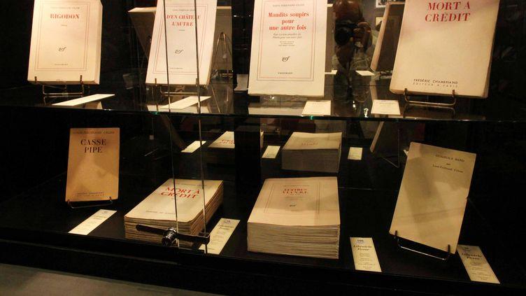 Des livres de Louis-Ferdinand Céline lors d'une vente aux enchères chez Drouot, le 17 juin 2011, à Paris. (GINIES / SIPA)
