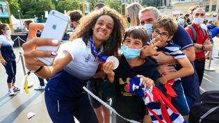 Anne-Cécile Ciofani après sa médaille d'argent aux Jeux olympiques de Tokyo, le 2 août 2021. (AGENCE KMSP via AFP)