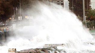 Les dégâts de la tempête Adrian restent pour le moment matériels,a indiqué à franceinfola préfète de Corse-du-Sud et de la région Corse. (YANNICK GRAZIANI / AFP)