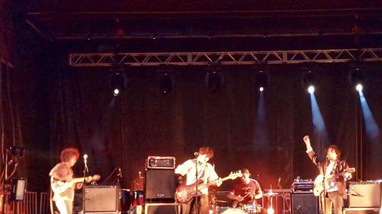 Le groupe Johnny Mafia sur scène au Festival des Musiques Emergentes à Rouyn-Noranda. (YANN BERTRAND / RADIO FRANCE)