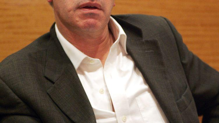 Le professeur Gilles Pialoux,chef du service des maladies infectieuses de l'hôpital Tenon (photo d'illustration du 30 novembre 2006). (DAMIEN MEYER / AFP)