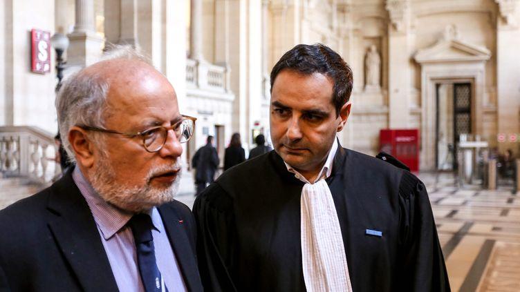 Samuel Sandler et son avocatMaitre Elie Korchia, en octobre 2017 à Paris. (SADAK SOUICI / LE PICTORIUM / MAXPPP)
