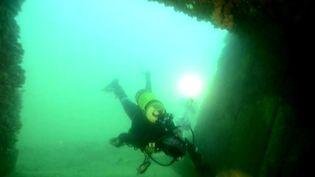 Des plongeurs de l'association Gramasa effectuent des relevés de blockhaus  (France 3)