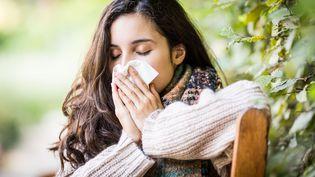 Les treize régions métropolitaines de France sont touchées par le virus de la grippe, selon les données dévoilées, mercredi 28 décembre 2016, parle réseau Sentinelles. (GARO / PHANIE)
