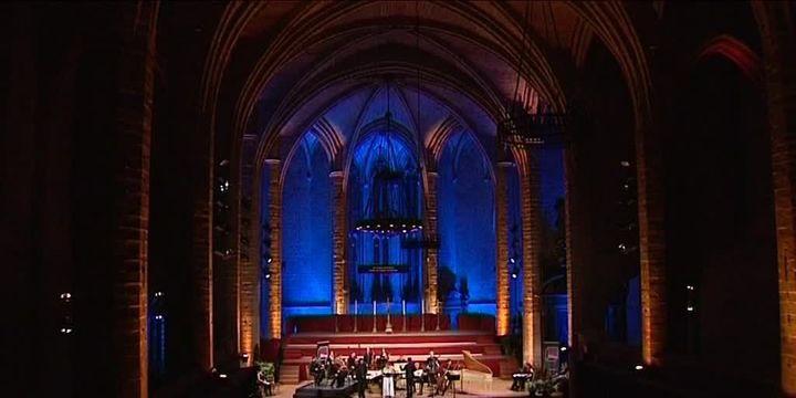 L'Abbatiale Saint-Robert à La Chaise-Dieu se transforme en salle de concert à l'occasion du festival.  (France 3)