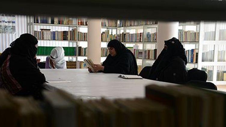 Une poétesse du cercle Mirman Bahir (JAWED TANVEER / AFP)