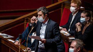 Le députéLFI François Ruffin à l'Assemblée nationale, à Paris, le 15 décembre 2020. (ARTHUR NICHOLAS ORCHARD / HANS LUCAS / AFP)
