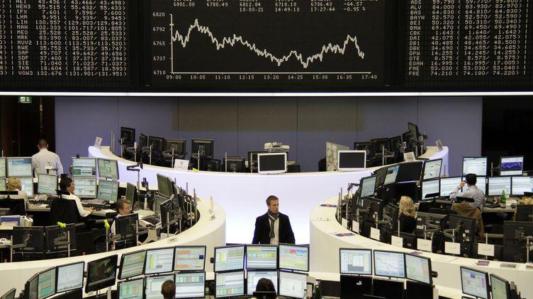 La Bourse de Francfort (Allemagne), le 18 avril 2012. (KIRILL LORDANSKY / REUTERS)