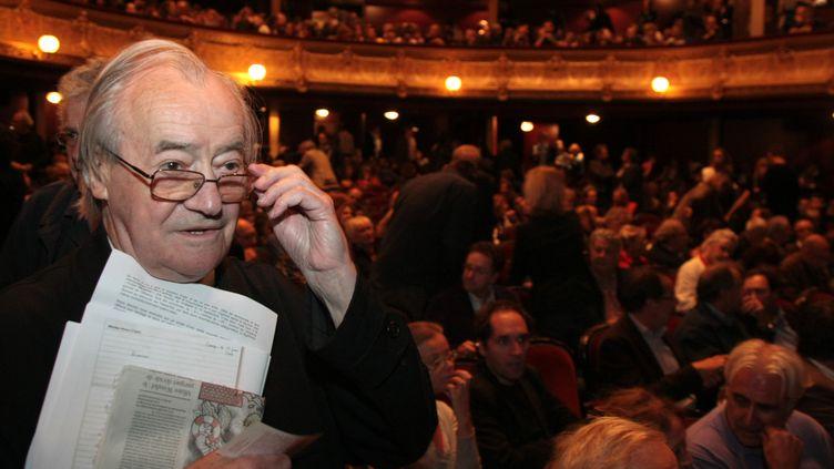 Jack Ralite, le 15 septembre 2008 lors d'une mobilisation pour la défense de l'audiovisuel public au théâtre du Châtelet, à Paris. (JACQUES DEMARTHON / AFP)