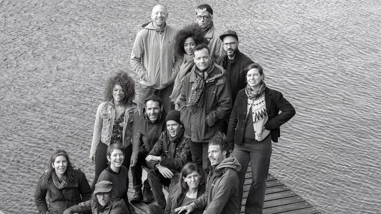 Le groupe de musiciens de L'Orchestre Tout Puissant Marcel Duchamp. (OTPMD)