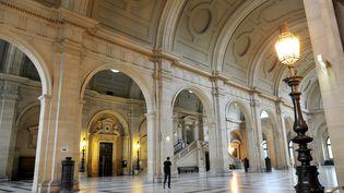 Les couloirs du palais de justice de Paris, photographiés le 27 février 2017. (ALAIN LE BOT / AFP)