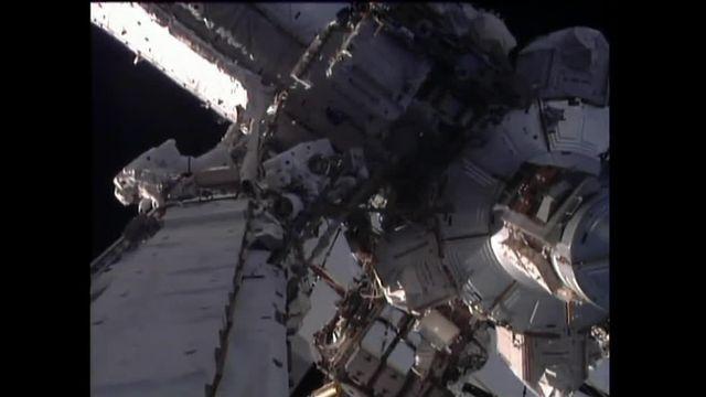 Première sortie dans l'espace pour Thomas Pesquet