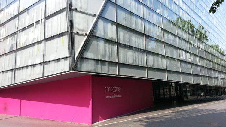 (L'institut Imagine, inauguré ce mercredi à Paris, architectes J.Nouvel et B.Valéro © Radio France)