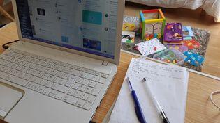 Bureau à domicile pour le télétravail. Photo d'illustration. (FLORENCE GOTSCHAUX / FRANCE-BLEU DRÔME-ARDÈCHE)