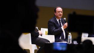 L'ancien président de la République, François Hollande, le 1er décembre 2017 à Bordeaux (Gironde). (MEHDI FEDOUACH / AFP)
