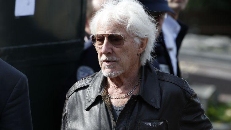 Le chanteur de 87 ans, Hugues Aufray, à Garches (Hauts-de-Seine), le 21 septembre 2015. (THOMAS SAMSON / AFP)