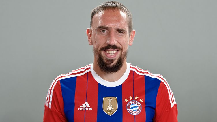 Francky Ribéry sous le maillot 2014-2015 du Bayern Munich (ANGELIKA WARMUTH / DPA)